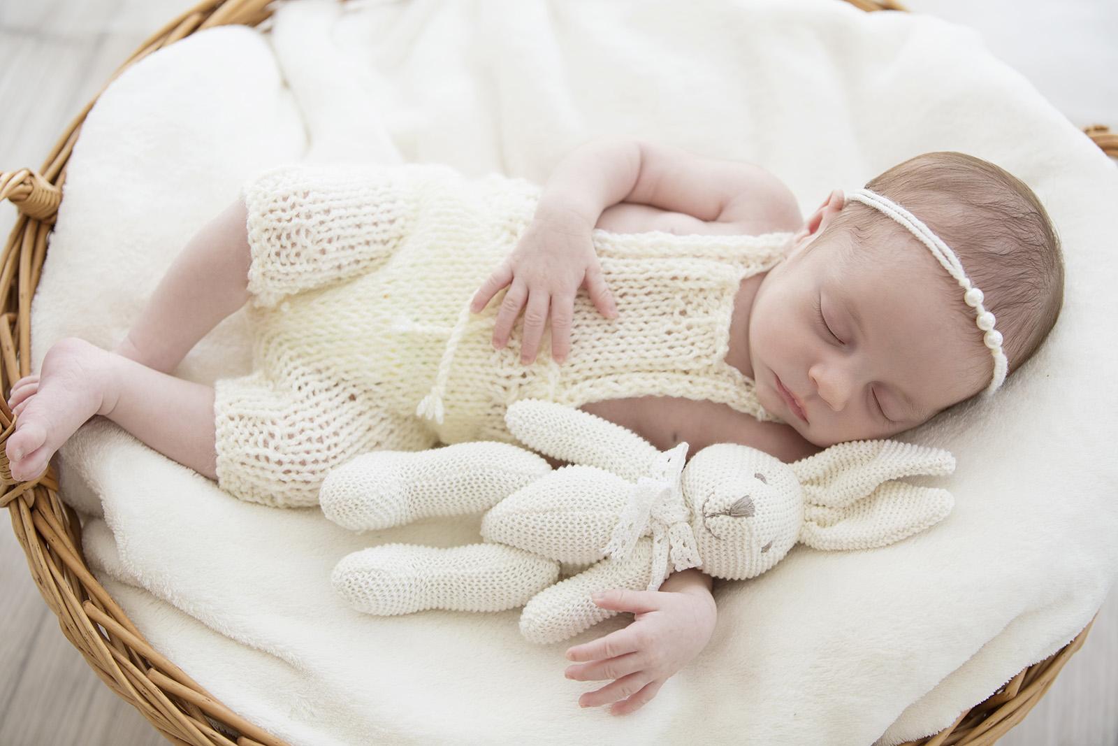 צילומי ניובורן , צלמת ניובורן , צלמת הריון , צלמת תינוקות , צילומי תינוקות